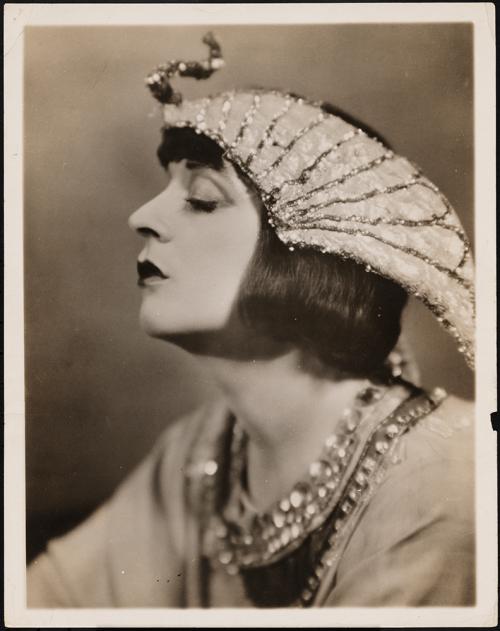 "[Jane Cowl as Cleopatra in ""Antony and Cleopatra"".]"