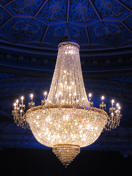 Chandelier in the auditorium at the Royal Lyceum, Grindlay Street, Edinburgh [Wikimedia]