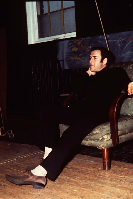 HAROLD PINTER British Actor and Playwright COMPULSORY CREDIT Starstock/Photoshot/Everett Collection CGH 013865 24.01.1969 CGH_013865