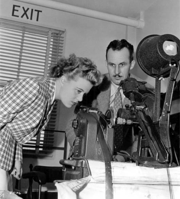 Getting the boss's approval. Image: Women's Film and Television History Network